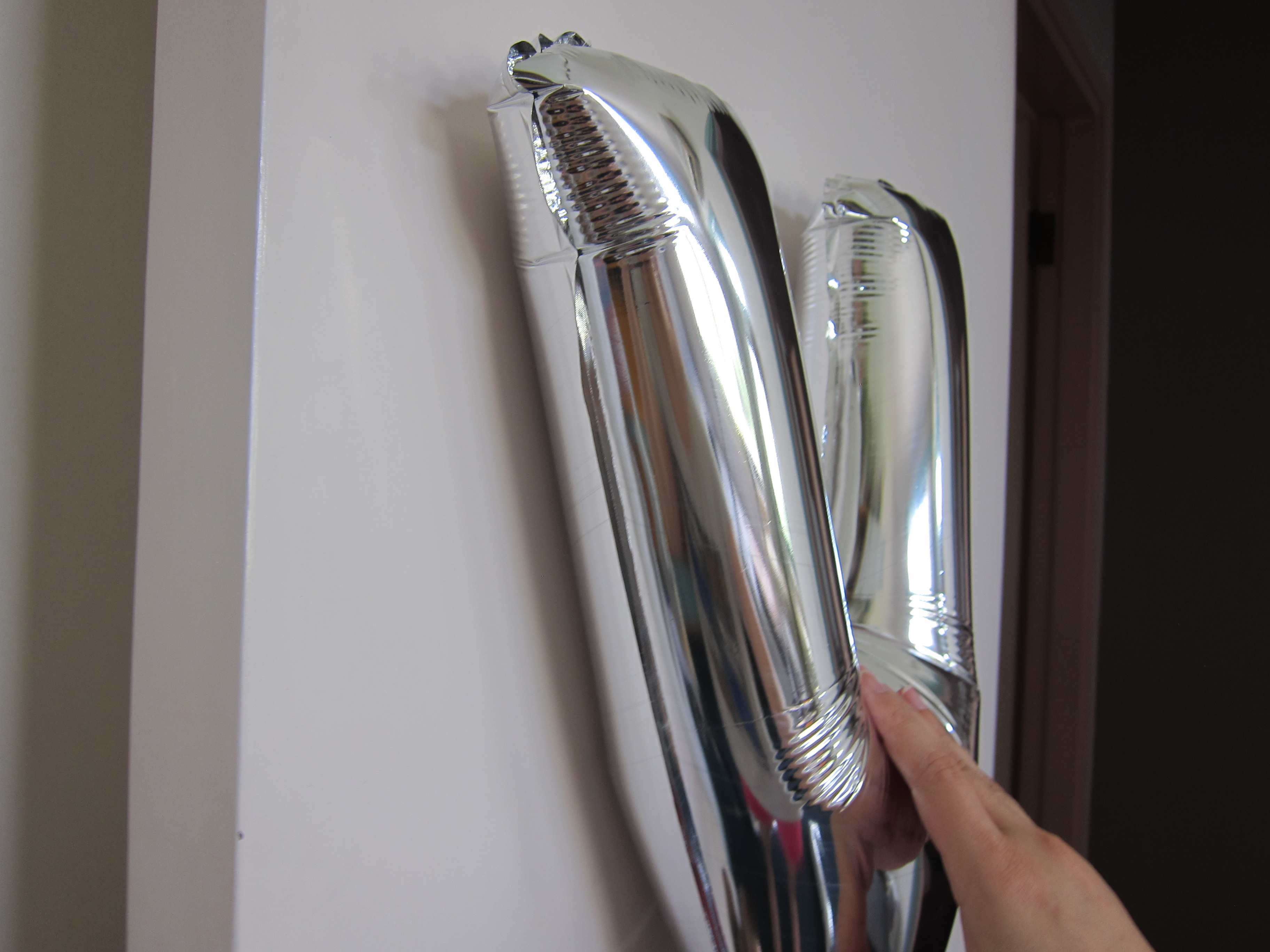 how to display foil balloons without helium happymoments